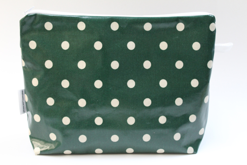 'Green Dot' wash bag