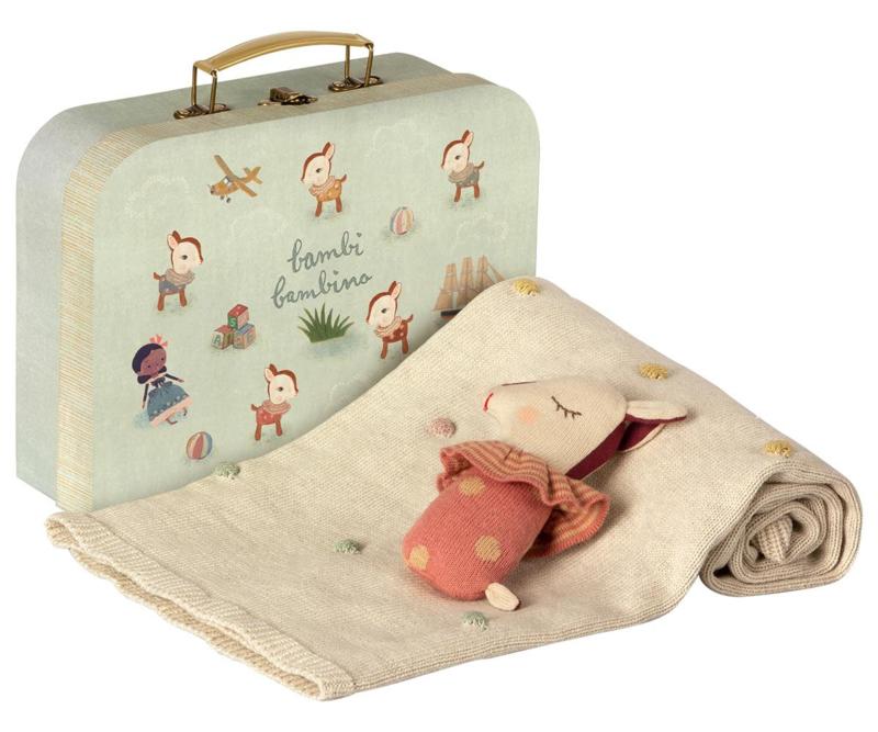 Bambi, Bambino in suitcase