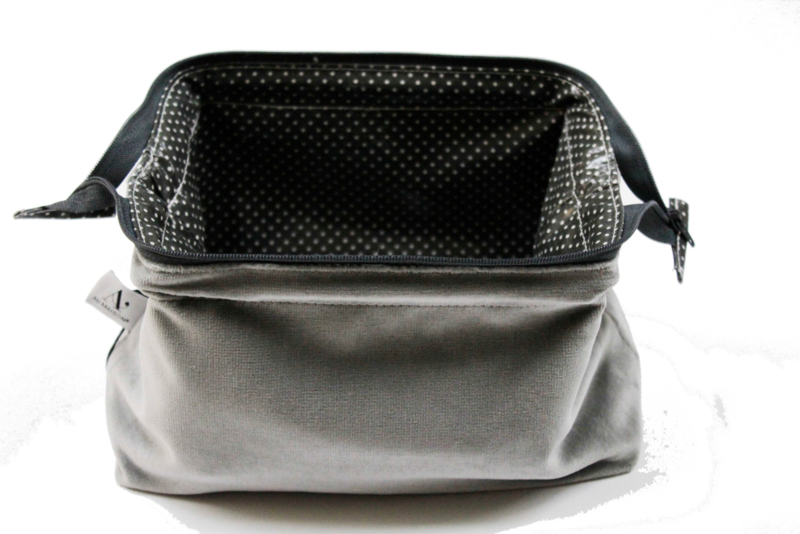 small Velvet Grey , Make up bag