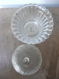 Bewerkt glazen dekselpotje met deksel (2)