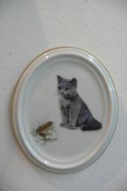 Volkstedt: Katten tegel, ovaal met gouden randje
