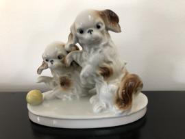 Grafenthal beeld: twee hondjes 16 cm breed en 12 cm hoog