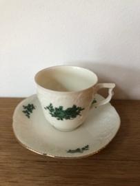 Rosenthal porselein:  Classic Rose Collection 1 koffiekop en schotel kopje 6 cm hoog schotel 14 cm doorsnede