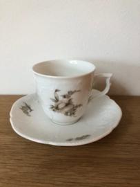 Rosenthal porselein: Sanssouci Grau Rose 1 koffiekop en schotel kopje 6 cm hoog schotel 14 cm doorsnede