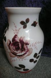 Prachtige opaline vaas met beschildering rozen