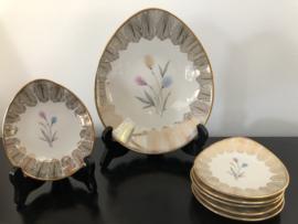 Porseleinen petit four set: Bavaria Elfenbein Porzellan schaaltje met 6 bordjes