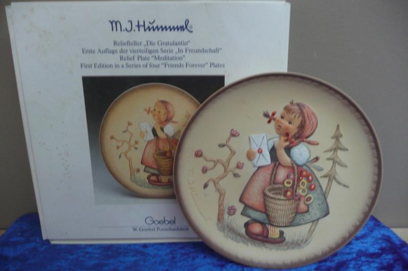 Origineel Hummel bordje 17,5 cm serie In Freundschaft 292 Die Gratulantin, Goebel