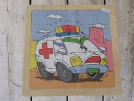 "houten puzzel ""ziekenauto"""