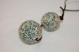 Pools aardewerk kraal Ø 4,5cm en Ø 3,5cm