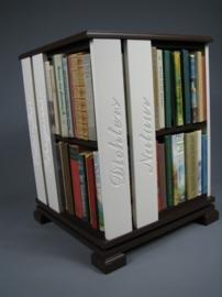 Trendy boekenmolen Bruin met dubbel vlaks witte Schoonschriftteksten Blad 46 cm