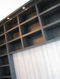 Boekenkast met bureau op maat