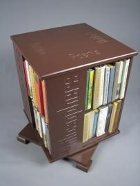 Trendy boekenmolen Bruin met enkel vlaks bruine Engelse Blokletter teksten Blad 46 cm