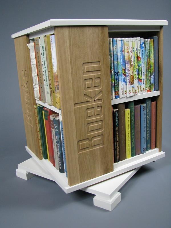 Trendy boekenmolen Wit met enkel vlaks eiken Blokletter teksten Blad 46 cm