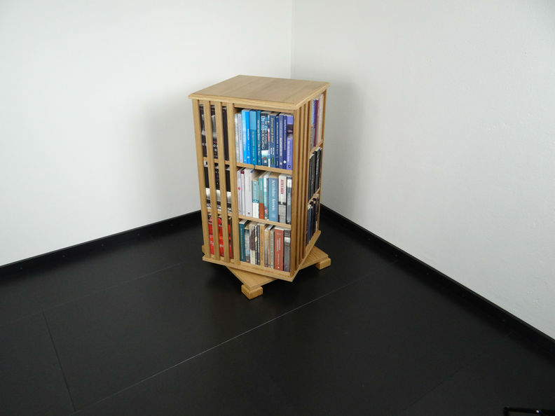 boekencarroussel te koop bij Gerari-Dutch