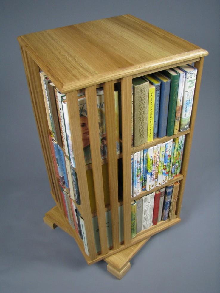 Geen antieke boekenmolen maar een nieuwe.jpg