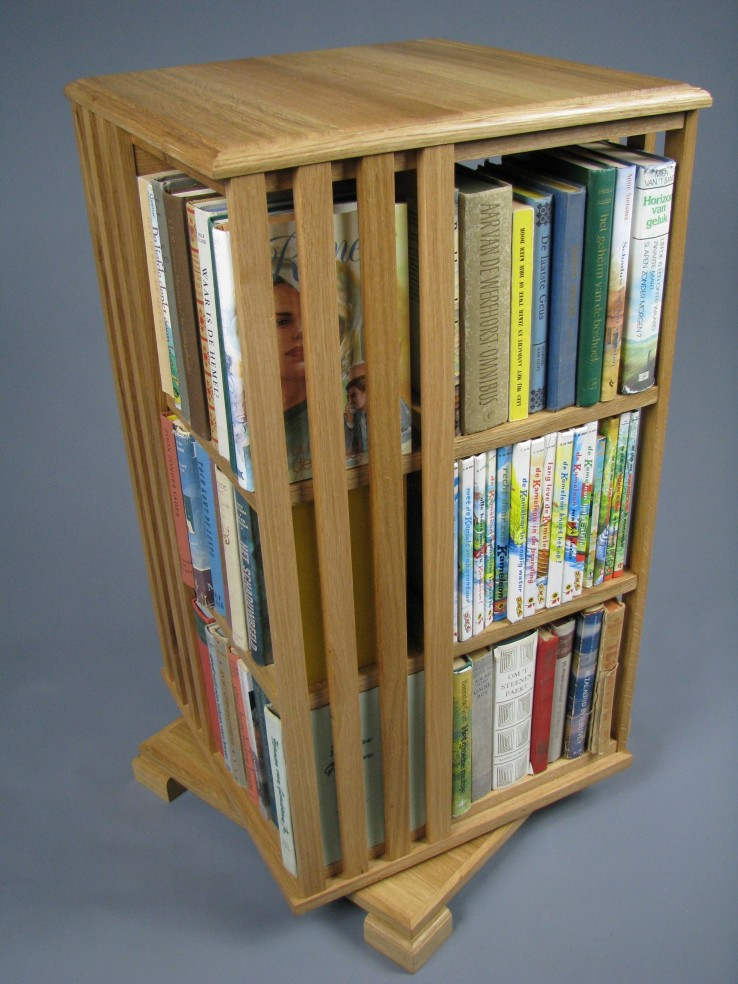 boekenmoleneiken3etagemetboeken2.jpg