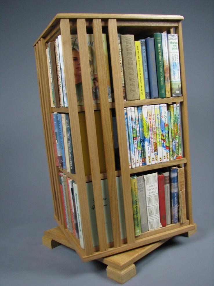boekenmolen boekenkast nieuw.jpg