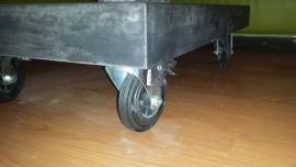Betonnen salontafel op wielen