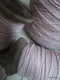 Houten klos met katoen koord roze / 20m