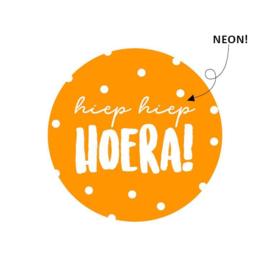 Sticker sluitzegel | neon oranje | hiep hiep hoera | 15stk