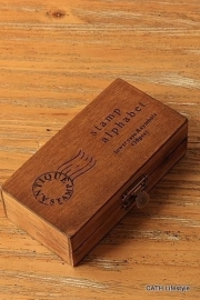 Stempel / set alfabet in houten doosje  / kleine letters
