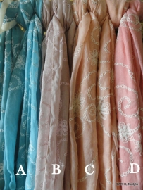 Sjaal / met borduursel