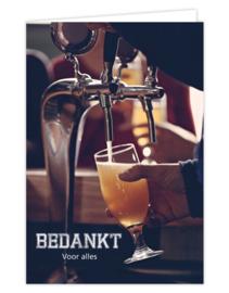 Wenskaart met kraft envelop - Bedankt voor alles | proost biertje
