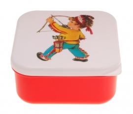 Snacktrommeltje  / Jongen indiaan met boog rood