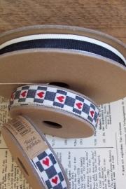 EI 3197 Band 3 meter spoel creme / zwart ruit rood hart