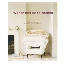 Wonen met de seizoenen / by Kristin Perers