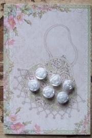 Knoopjes / bloemen op kaart / CE PA77