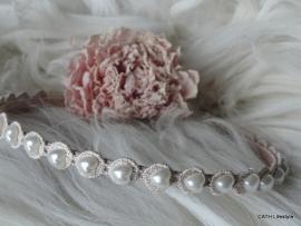 Diadeem / roze met pareltjes