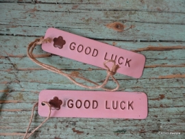 "Label /""Good Luck""  roze lang"