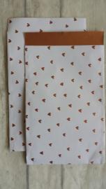 Kado zakje wit met bronzen hartjes / 12x19cm /5stk