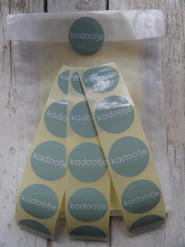 Stickers / rond kadootje groen / 40 stks