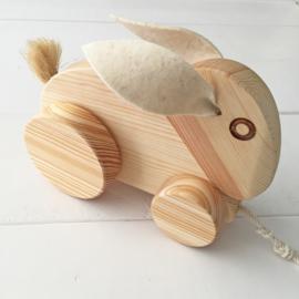Trekdier hout konijn met vilten oren
