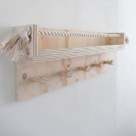 Kapstok underlayment met wandplank
