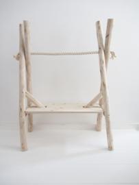 Kledingrek hout boomstammen met plank babykamer/kinderkamer