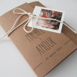 Trouwkaart pocketfold kraftkarton Michel & Anouk