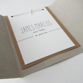 *NIEUW* Geboortekaart grijsboard pocketfold James