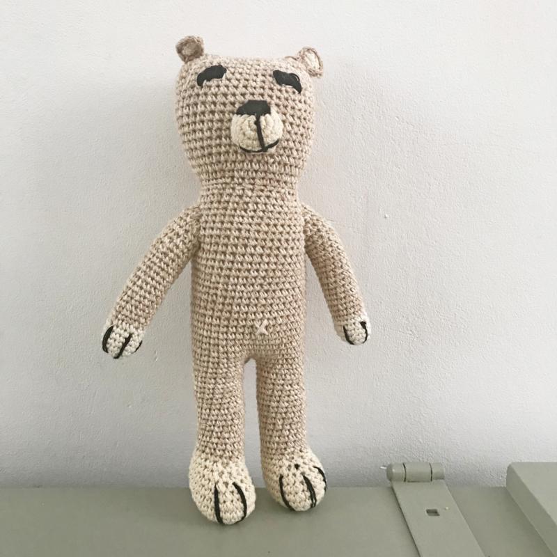 *NIEUW* Gebreide rammelaar beer Anne Claire Petit