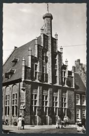 DOESBURG, Raadhuis. Gelopen kaart.