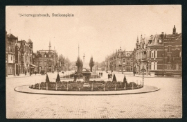 's HERTOGENBOSCH, Stationsplein. Ongelopen kaart.