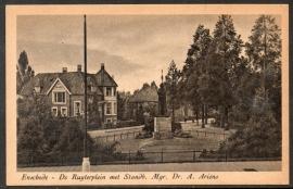 ENSCHEDE, De Ruyterplein met Standb. Mgr. Dr. A. Ariëns. Ongelopen kaart.