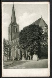 DOESBURG, Groote Kerk. Ongelopen kaart.