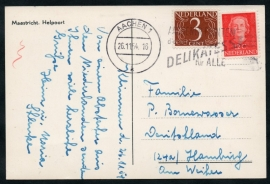 Briefkaart met internationale combinatie. Nederlandse zegels maar in Duitsland afgestempeld. Op ansichtkaart MAASTRICHT, Helpoort.