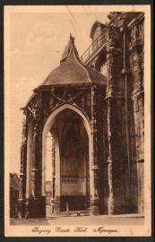 NIJMEGEN, Ingang Groote Kerk. Nijmegen. Ongelopen kaart.