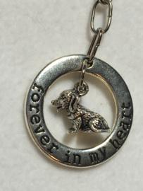 Tas/broek sleutelhanger - forever in my heart - hond
