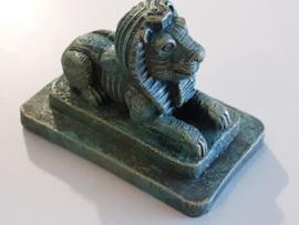 Brief verzwaarder leeuw