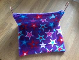 Hangmathoes paars met gekleurde sterren wellness fleece